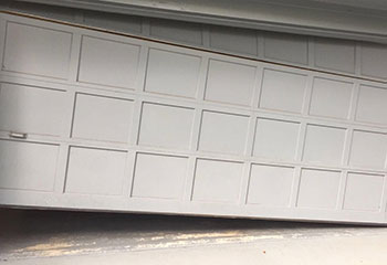 Garage Door Off Track - Bel Air